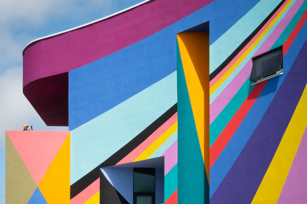 Dance Diagonal by Lothar Götz, a Brewers Towner Commission and currently the UK's largest outdoor mural, will stay in Eastbourne until 2021